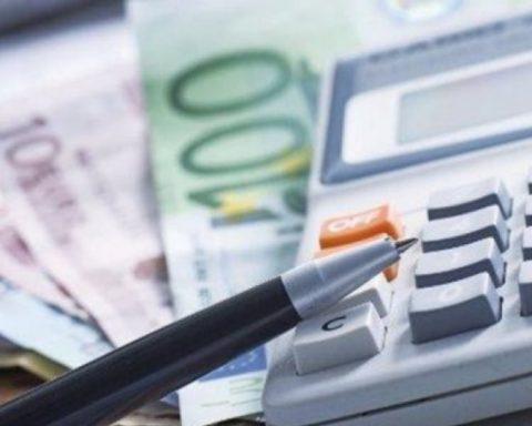 Daily Post: Εξάλειψη των εισοδηματικών κριτηρίων στις 120 δόσεις σχεδιάζει η Κυβέρνηση